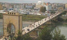Çarşamba Köprüsü'nde adam vurulmaz - Cemil Biçer yazdı...