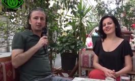 Türk Yönetmen Gökçe Açıkgöz 'Peacock'u Hollanda televizyonuna anlattı.