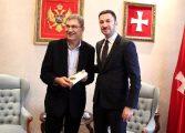 Orhan Pamuk'a 'Edebi Ateş Ödülü'