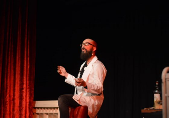 Türkiye'de İlk Gerilim-Psikolojik Tiyatro Oyunu: Şizofren Doktor Alfred
