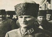 """Yapı Kredi Yayınları, Beyoğlu Kitabevi İmza Günü - İpek Çalışlar """"Mustafa Kemal Atatürk: Mücadelesi ve Özel Hayatı"""""""