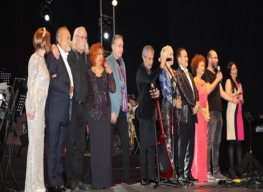 Harbiye Cemil Topuzlu Açıkhava Tiyatrosu'nda Nostalji Gecesi