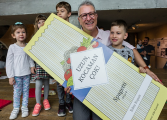 4. İstanbul Tasarım Bienali'nden Çocuk Kitabı: Uzun, Kocaman, Çok!