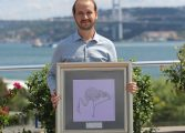 Türk Grafikçinin Netflix başarısı ödülü getirdi