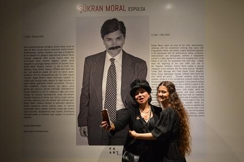 Sürgünde bir ruh: 'Şükran Moral'