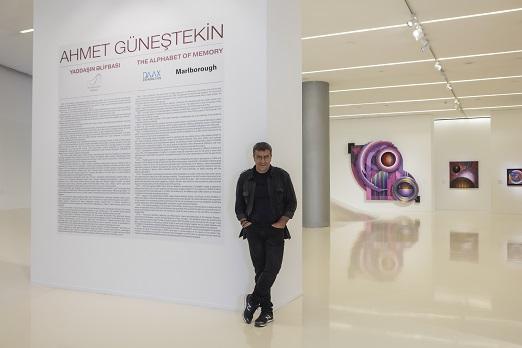 """Ahmet Güneştekin'in, Bakü'deki ilk sergisi """"Belleğin Alfabesi"""" açıldı"""