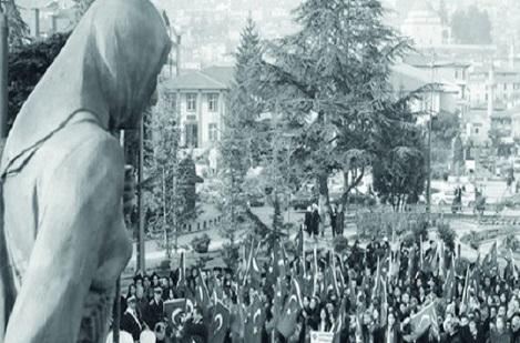 TÜRKİYE'NİN İLK KADIN MİTİNGİ 100 YAŞINDA!