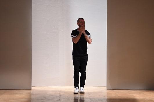 Photo of Serdar Uzuntaş, Milano Moda Haftası'nda Yeni Nesil Aristokrasiyi Tanımlıyor