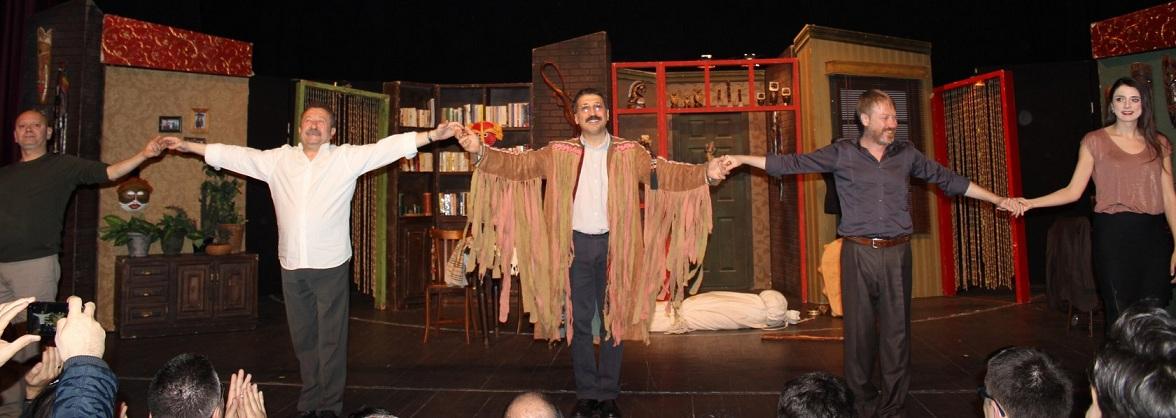 Photo of Maltepe Belediyesi Tiyatro Festivali Başladı.