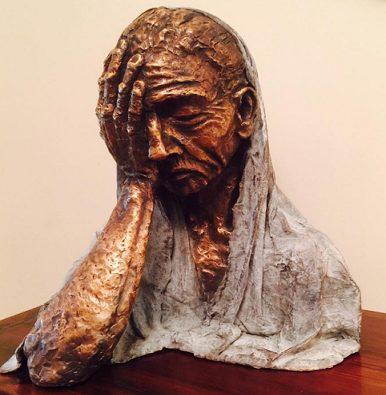 """Photo of Arzum Onan heykel yaparsa : """"Cumartesi Annesi"""""""