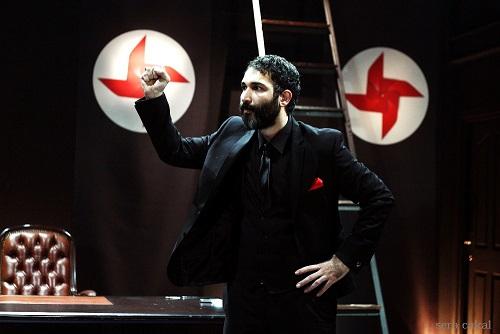 Photo of 'Sadece Diktatör' oyunu gerçek aktörleriyle oynandı!