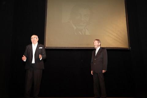 Photo of Usta oyuncu 'Münir Özkul', 'Ses Tiyatrosu'nda anıldı.