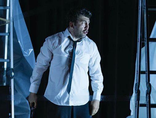 Photo of Emre Kınay'dan Afife Jale Tiyatro Ödüllerine sert tepki!