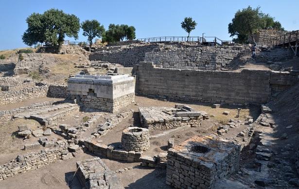 Photo of Çanakkale Arkeolojik Kazıları – Mine Bora Diri yazdı…