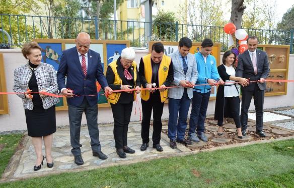 Photo of 'Üsküdar Lions Kulübü'nden Türkan Sabancı Görme Engelliler Ortaokulu'na bir proje: 'DUYU PARK'