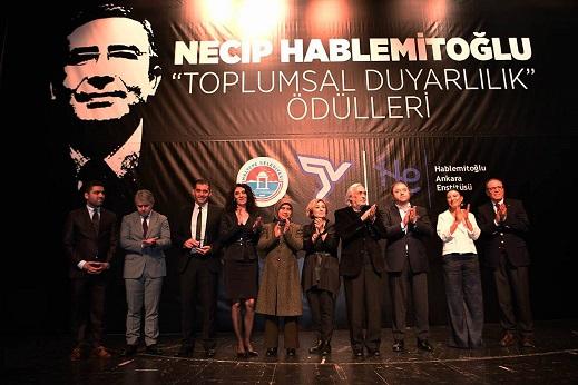 Photo of Necip Hablemitoğlu Toplumsal Duyarlılık Ödülleri dağıtıldı.