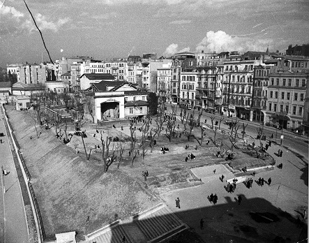 """Photo of """"Aralıktan Bakmak: Meşrutiyet Caddesi'nden Bir Kesit"""""""