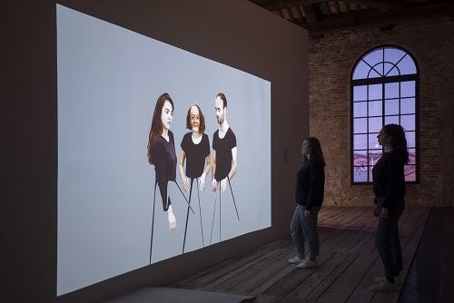 Photo of BİLGİ Müzik Bölümü Başkanı Tolga Tüzün'ün ses tasarımı Venedik Bienali'nde…