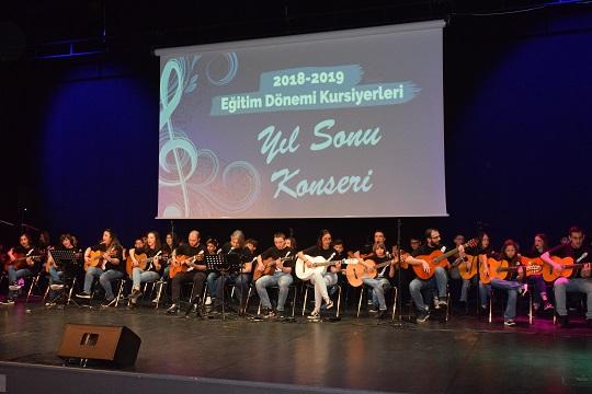 Photo of ÖĞRENCİLERİN EMEKLERİ AYAKTA ALKIŞLANDI