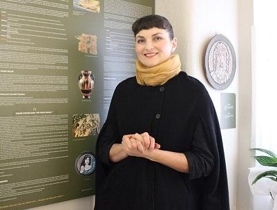 Photo of 'Troya Efsanesi'ni mozaik ile anlatan sanatçı: 'Emine Özkaya Daloğlu'