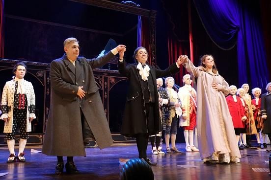"""Photo of """"Amadeus"""" seyirci ile buluştu!"""