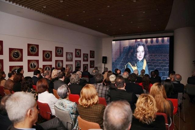 """Photo of Anadolu'da 100 yılın kadın hikayeleri: 'Kadınımızın Hatıra Defteri"""""""