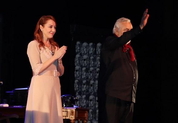 """Photo of """"Güneyli Bayan"""" Oyunu Gala Gösterimi"""