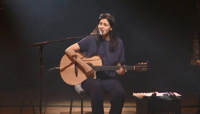 Photo of Souad Massi, ruhu dinlendiren sesiyle CRR'de sahne aldı