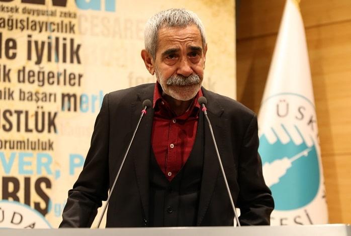 Photo of Sanatçı Turgay Tanülkü, ödülünü alırken gözyaşlarını tutamadı!