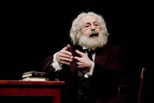 """Photo of Genco Erkal'ın """"Marx'ın Dönüşü"""" adlı oyununu izleyebilirsiniz."""