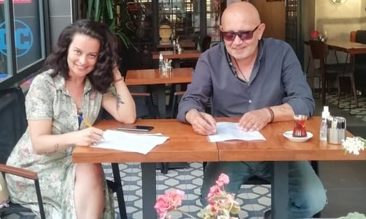 """Photo of Ressam Kani Kaya ve oyuncu Ayçin Tuyun bir """"ilk""""e imza attılar!"""